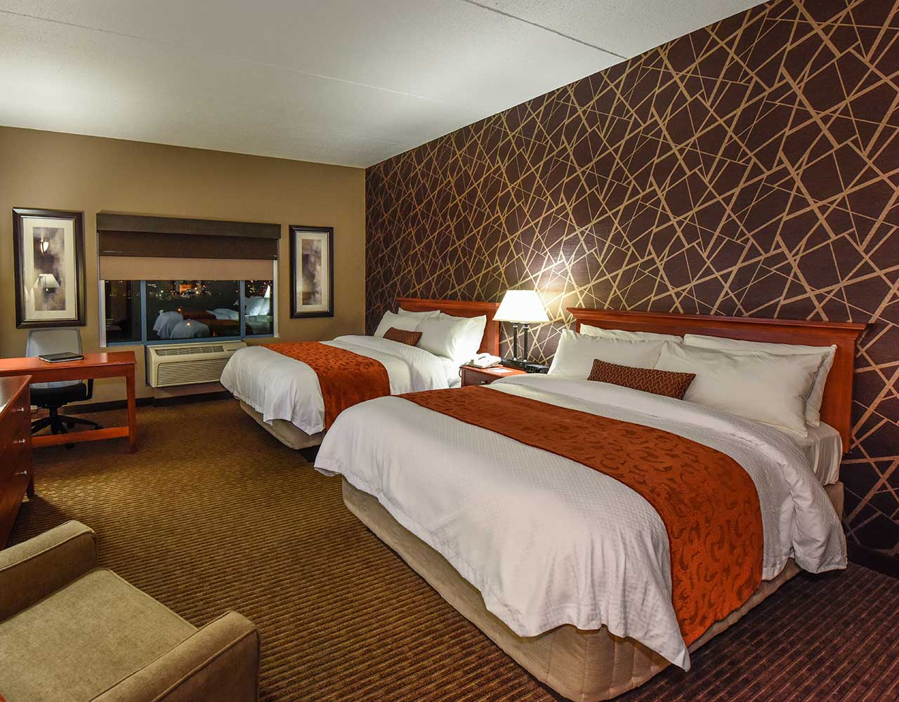 Deluxe Hotel Room With 2 Queen Beds